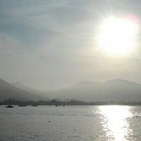 Foto tirada no(a) Ubatuba por Ley F. em 12/31/2012