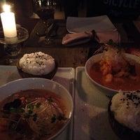 Foto tirada no(a) Lanna Thai Fusion Cuisine por Débora S. em 9/26/2015