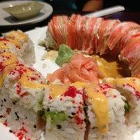 Photo prise au Tasu Asian Bistro Sushi & Bar par Shay F. le6/13/2013