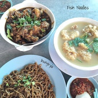 Photo taken at Tung Fong Sea Food Restaurant by Norman L. on 1/1/2015
