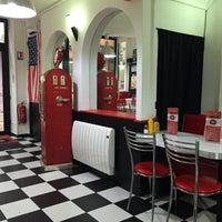Foto tirada no(a) Bil's Diner por muriel em 5/1/2015