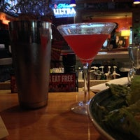Photo taken at Applebee's Neighborhood Grill & Bar by Joelle F. on 4/30/2014