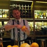 9/19/2012 tarihinde Regina C.ziyaretçi tarafından Pouring Ribbons'de çekilen fotoğraf