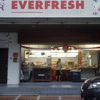 Photo taken at Everfresh Fruits Import Trading Sdn Bhd by Peter G. on 3/23/2013