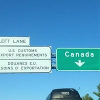 Photo taken at Vermont-Québec CBSA by Giorgio G. on 8/17/2013