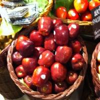 Das Foto wurde bei Gourmet Market von ☠☠OOXX☠☠ am 5/18/2013 aufgenommen
