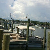 Photo taken at Harborside Bar & Grill by Laura B. on 9/6/2014