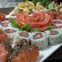 Foto tirada no(a) Hamadaya Sushi Bar por Felipe M. em 10/8/2013
