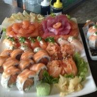 Foto tirada no(a) Hamadaya Sushi Bar por Felipe M. em 10/12/2013