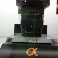 Photo taken at Sony Store by Arturo G. on 6/1/2013