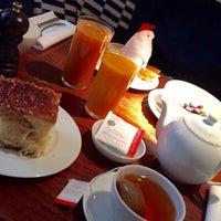 Photo prise au Claus - La table du petit-déjeuner par Anaïs B. le12/1/2015