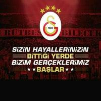 Photo taken at Galatasaray Şampiyonluk Kutlamaları by TuRâN Y. on 5/31/2015