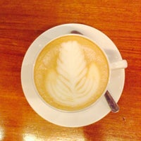 Photo taken at Coffee Toffee by Sam WJ M. on 8/20/2014