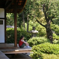 Photo taken at Shofuso Japanese House and Garden by Vera S. on 11/3/2013
