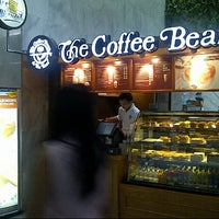 Photo taken at The Coffee Bean & Tea Leaf by Haris S. on 5/3/2013