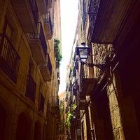 Foto tirada no(a) Barrio Gótico por Nick L. em 6/24/2014