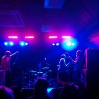 Снимок сделан в The Bodega Social Club пользователем Cheeky P. 10/19/2014