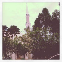 Photo taken at Masjid Sultan Ismail by أبو م. on 10/22/2013