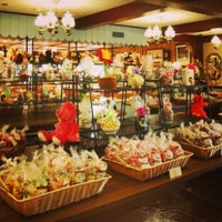 Photo taken at Josh Early Candies by Discover Lehigh Valley on 2/8/2013