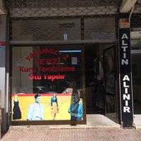 Photo taken at yakomoz terzi by Ahmet Faruk F. on 10/1/2014