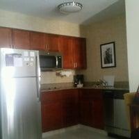 Photo prise au Residence Inn Charlotte Uptown par Stephen B. le9/17/2016