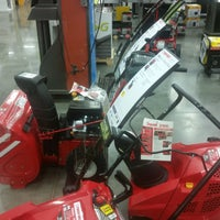 Photo taken at Lowe's Home Improvement by Stephen B. on 8/28/2016