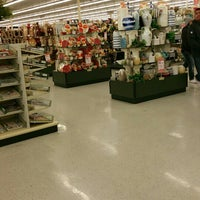 Photo taken at Hobby Lobby by Manfred N. on 12/19/2015