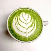 Foto diambil di Alchemy Coffee oleh Tien C. pada 1/5/2017