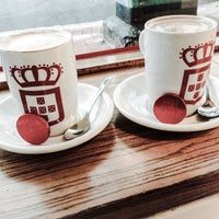 Photo taken at Vida e Caffè by Lily M. on 7/1/2014
