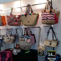 Photo taken at El  outlet de la maleta, Pueblo Bonaire by Javier S. on 3/14/2014