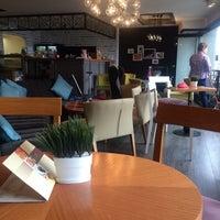 2/12/2016 tarihinde Gülin G.ziyaretçi tarafından Cafe Nazen'de çekilen fotoğraf