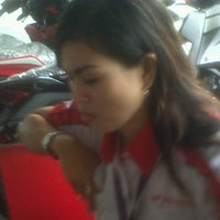 Photo taken at CV. MITRA JAYA - dealer resmi HONDA by doni p. on 4/16/2015