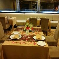 Photo taken at Zeytin Restaurant by Özgür Ü. on 11/27/2015