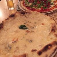 Foto tomada en Solo Pizza por Natalia el 10/4/2016