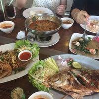 Photo taken at ครัวหญ้าคา (Yakha Khaoyai Restaurant) by Sathonkorn S. on 1/3/2017