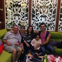 10/13/2013 tarihinde Soner D.ziyaretçi tarafından Carnival Restaurant'de çekilen fotoğraf