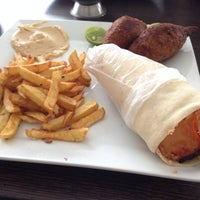 Photo taken at Arabito - Shawarma y Parrillada by Luis F. on 2/24/2014