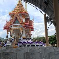 Photo taken at Wat Intharawat (Wat Pradu) by (‵▽′)ψⓇⓊⓈⒽνεε🚲 on 6/7/2017