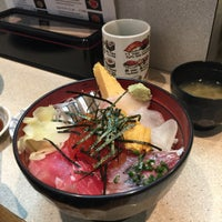 Photo taken at つきじ 丼匠 by Leo L. on 1/16/2017