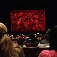 รูปภาพถ่ายที่ Bass Concert Hall โดย Lindsey เมื่อ 1/18/2013