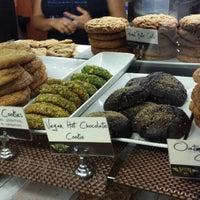 5/23/2014 tarihinde Noland H.ziyaretçi tarafından Boston Common Coffee Company'de çekilen fotoğraf