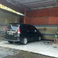 Photo taken at Klinn & Klinn Car Wash by ♛ FäjäR.iS™ on 8/23/2015