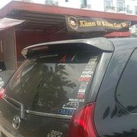 Photo taken at Klinn & Klinn Car Wash by ♛ FäjäR.iS™ on 10/4/2014