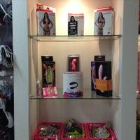 Foto tirada no(a) Doce e Pimenta Sex Shop por Doce e Pimenta Sex Shop em 2/19/2014