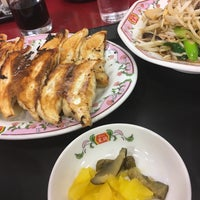 Photo taken at 餃子の王将 上新庄店 by あなぽん on 2/10/2017