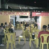 Photo taken at No Meio do mundo bar by Dany C. on 7/28/2013