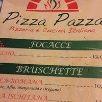 Foto tirada no(a) Pizza Pazza por Michel B. em 12/4/2015