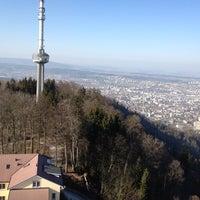 Das Foto wurde bei Uetliberg Aussichtsturm von Sam K. am 3/16/2012 aufgenommen