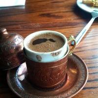 Foto scattata a Makara Charcoal Grill & Meze da Betül Y. il 8/17/2015