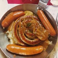 Photo taken at 溫德德式烘焙餐館 Wendel's German Bakery & Bistro by Che-Chun C. on 5/12/2015